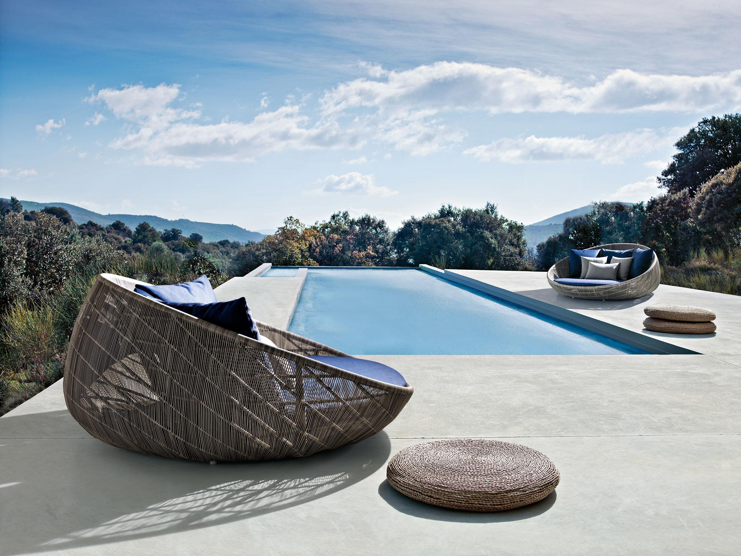 hauser-design-b&b-italia-daybed-canasta-neben-einem-pool