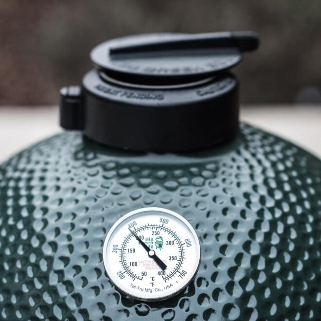 Hauser Design Big Green Egg mit Thermoanzeige