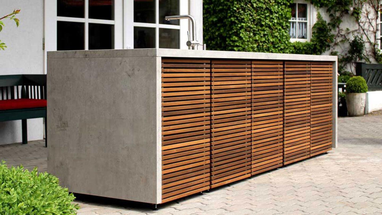 hauser-design-cubic-freistehende-küche-front-mit-holz
