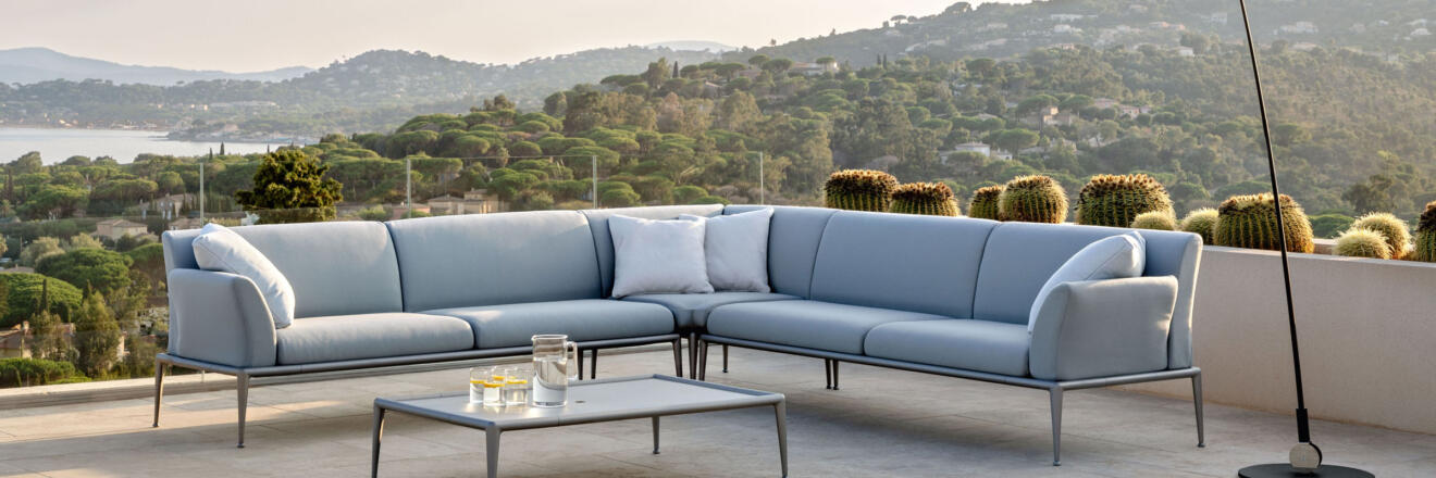 hauser-design-fast-lounge-new-joint-in-hellblau