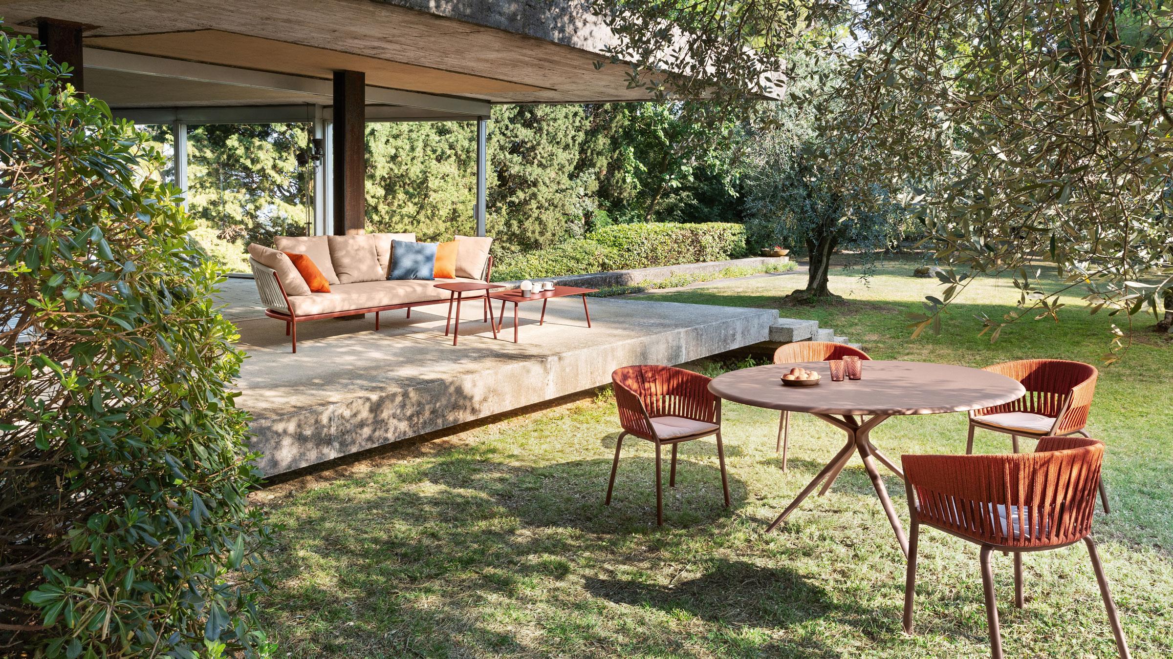 hauser-design-fast-ria-sofa-in-orange