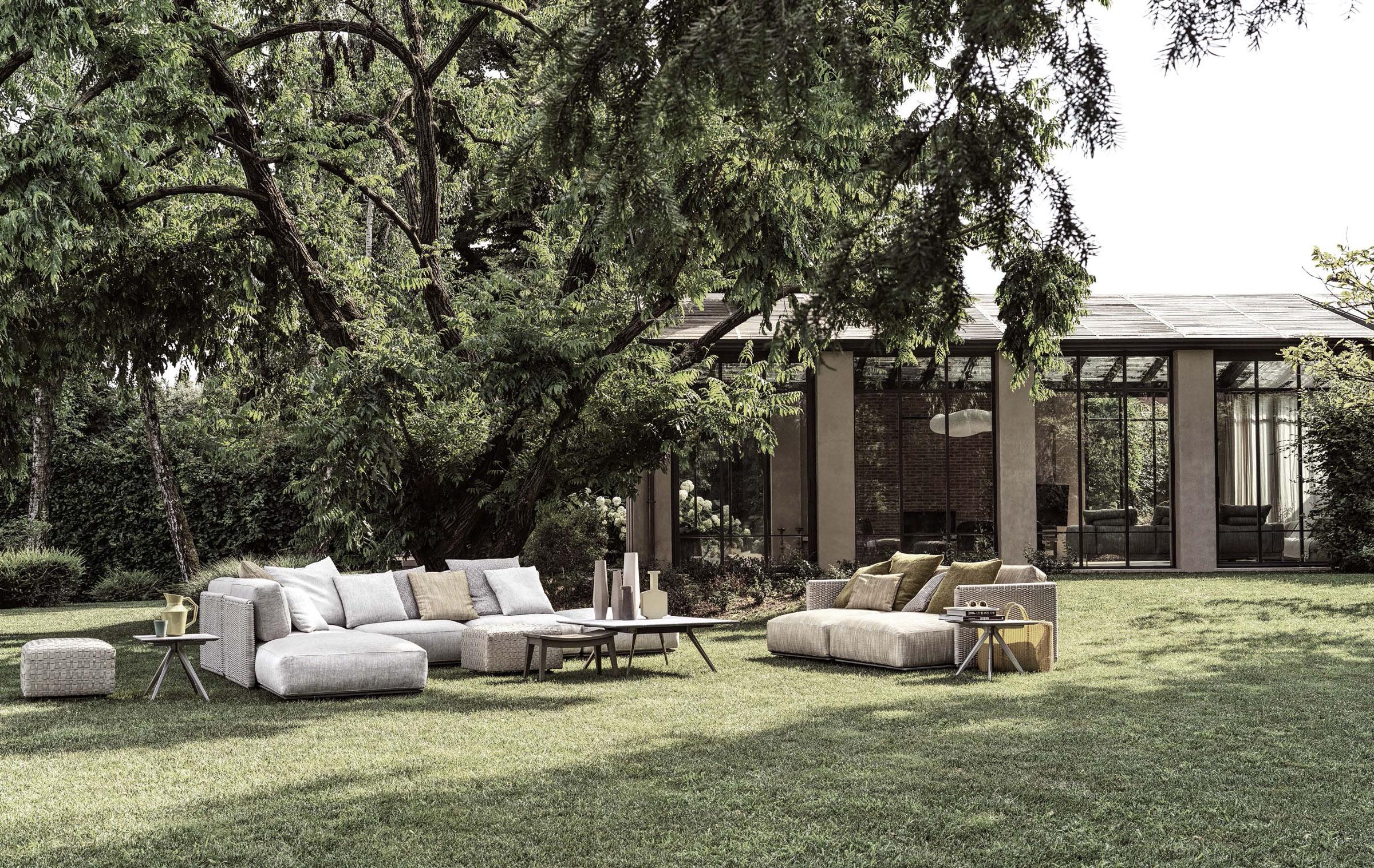 hauser-design-flexform-sofa-auf-gras-im-garten-in-hell