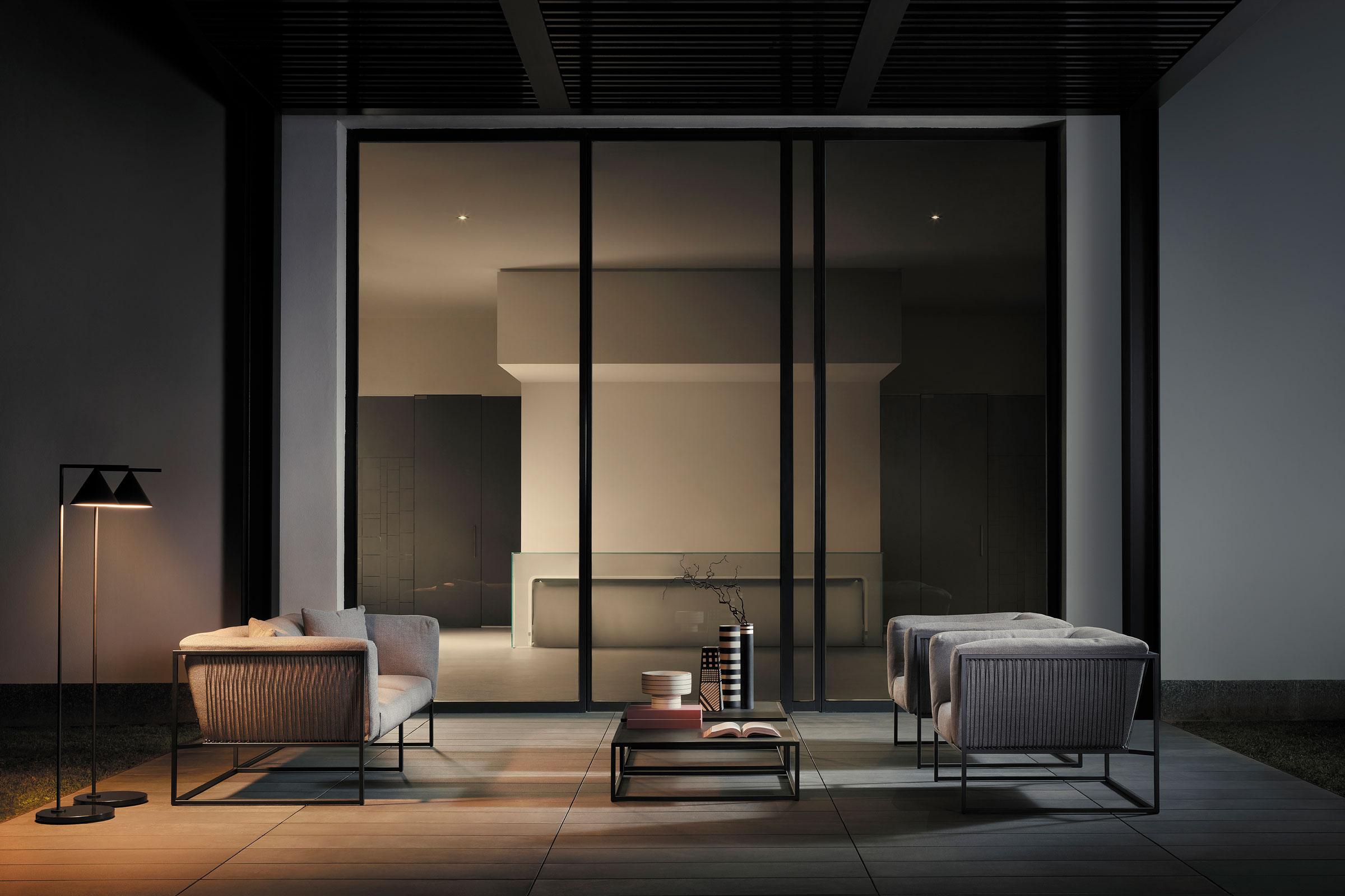 hauser-design-mdf-italia-outdoor-sofa-arpa-bei-nacht
