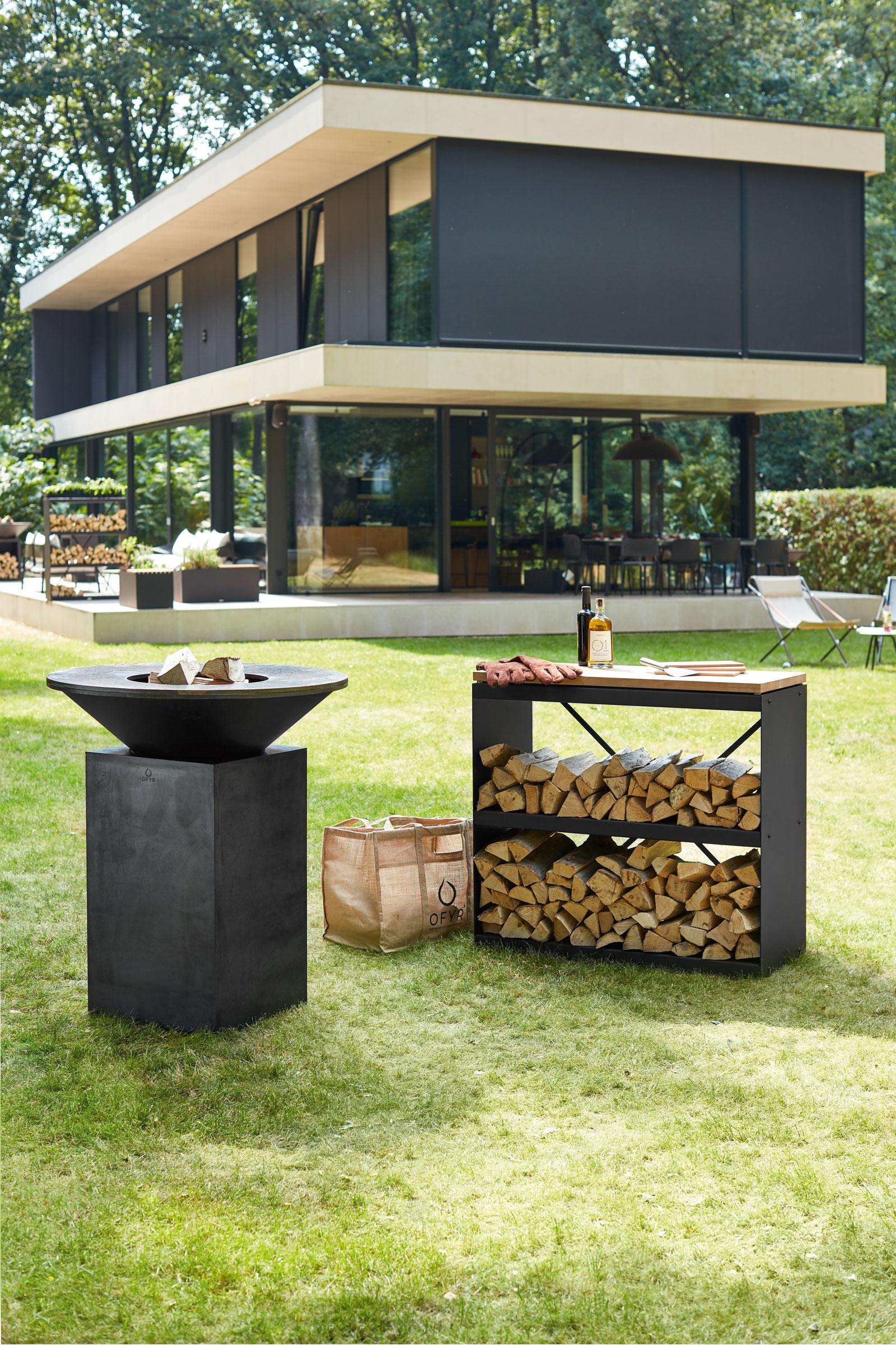 hauser-design-ofyr-grill-in-schwarz-kombination-mit-gestell