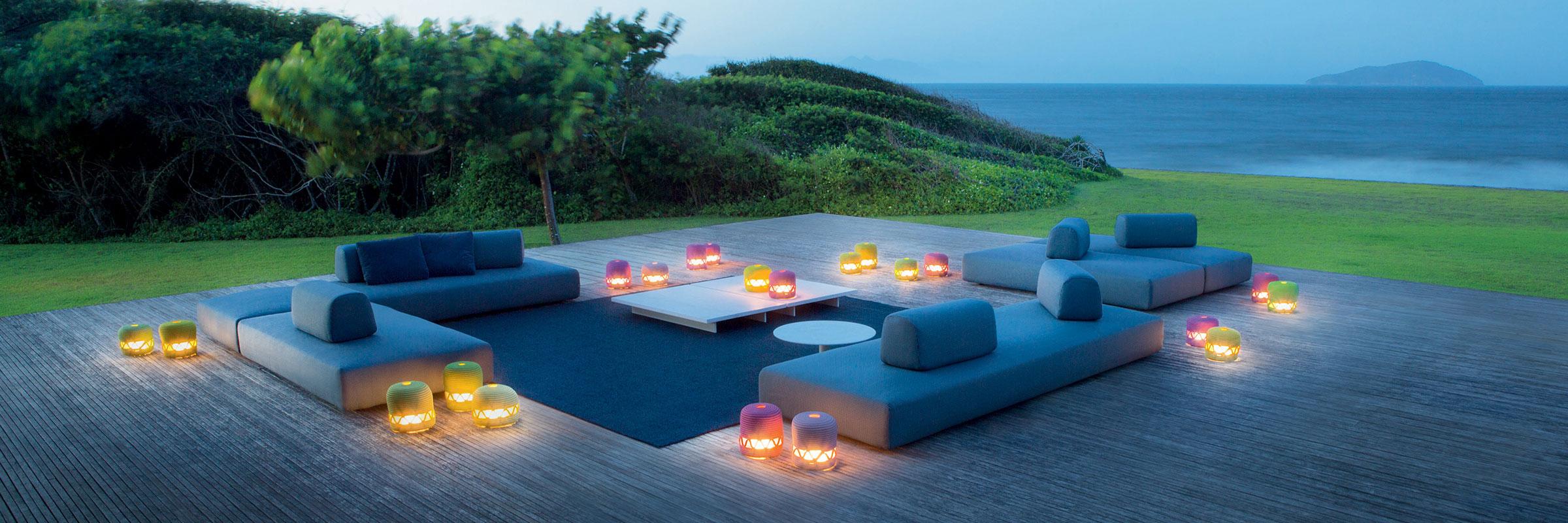 hauser-design-paola-lenti-sofa-orlando-bei-abendstimmung