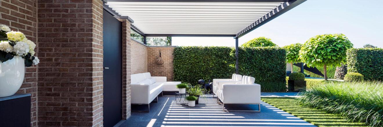 hauser-design-renson-pergola-für-eine-überdachte-terrasse