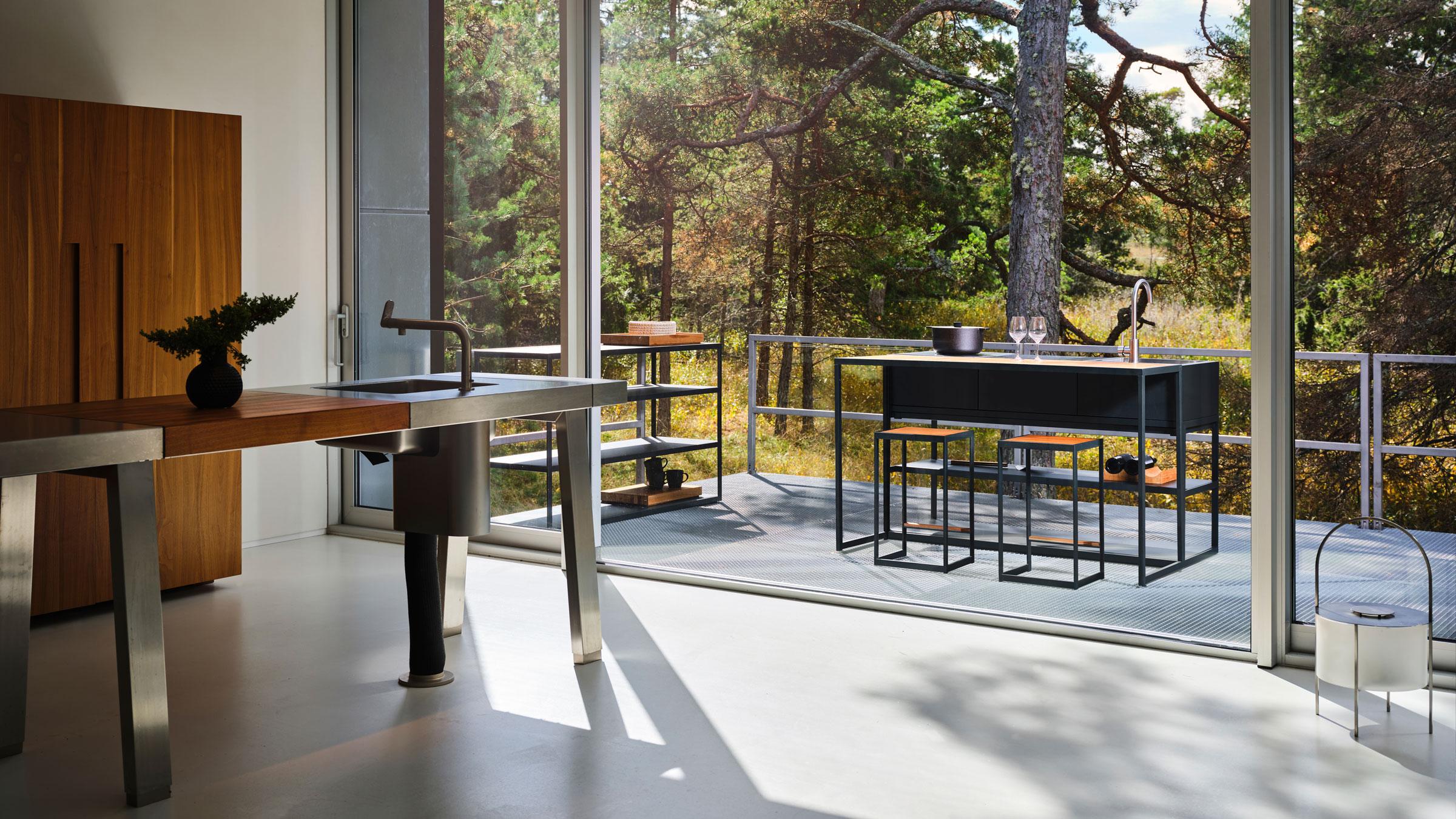 hauser-design-roeshults-aussenkueche-auf-der-terrasse
