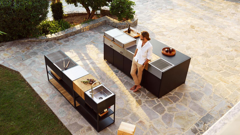 hauser-design-roeshults-aussenkueche-freistehend-in-schwarz