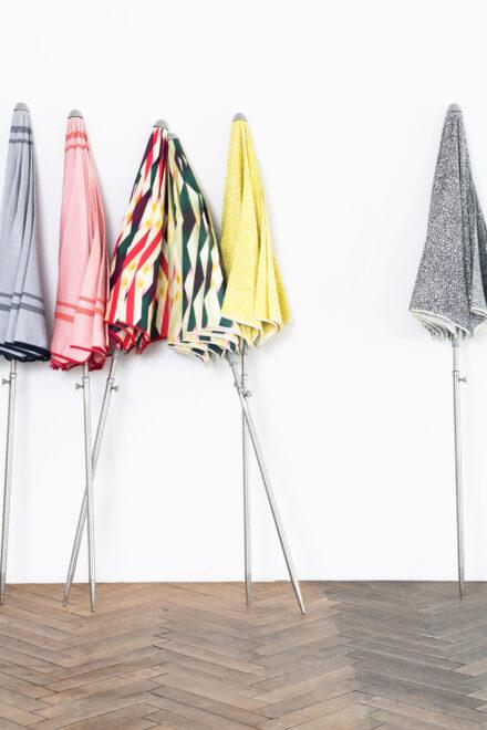 hauser-design-nima-parasol-alle-farben-nebeneinander