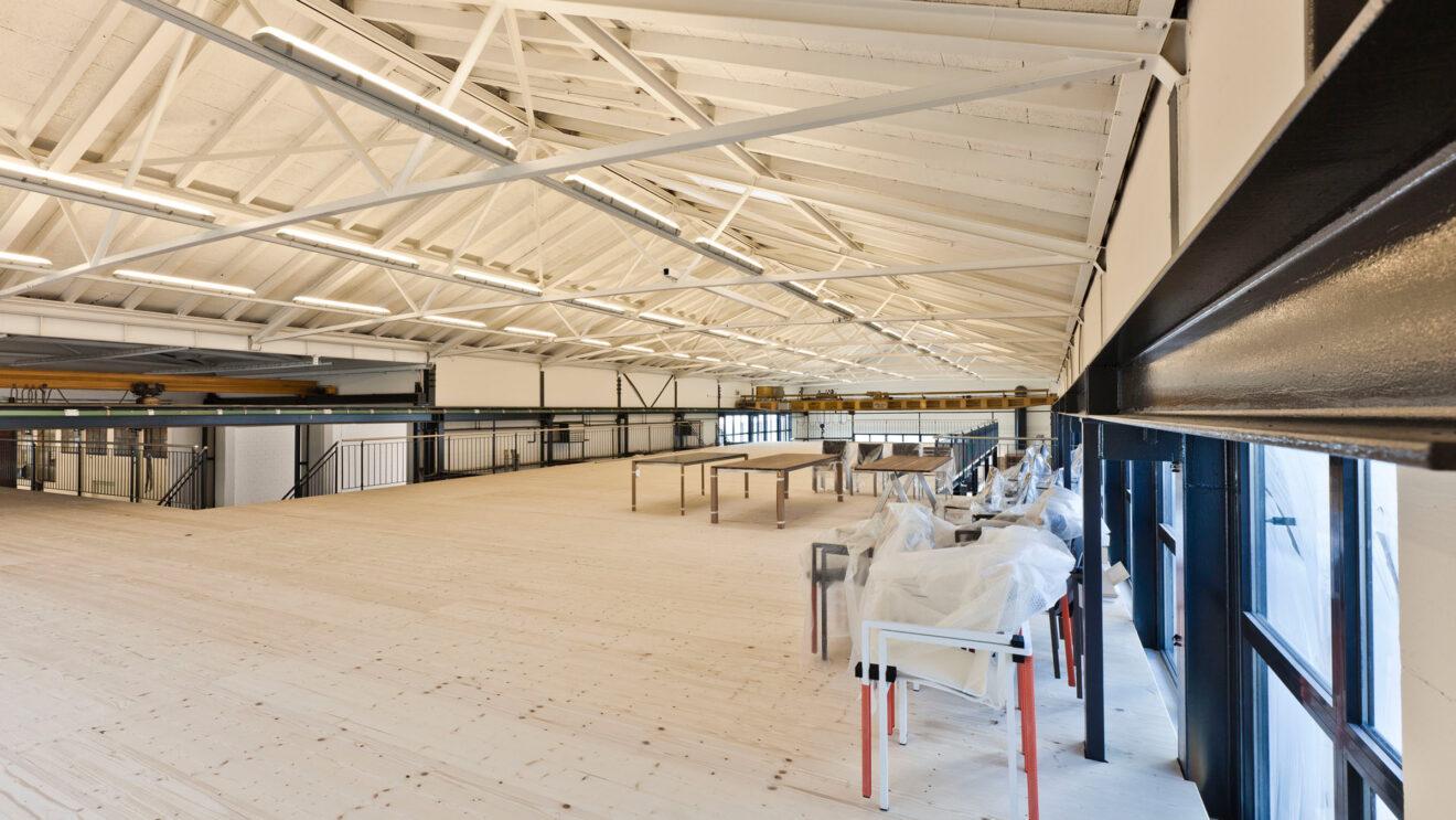 hauser-design-showroom-erster-stock