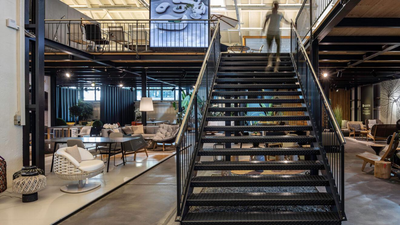 hauser-design-showroom-stahlkonstruktion-erster-stock